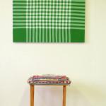 """""""by your table"""", installasjon med maleri, akryl på lerret 87 x 90 cm, lite bord med tekstiler og glassfat, 2016"""